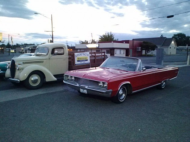 Cruise Night on Yakima Avenue