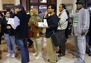Last Minute Tax Payers Rush To File Their Returns