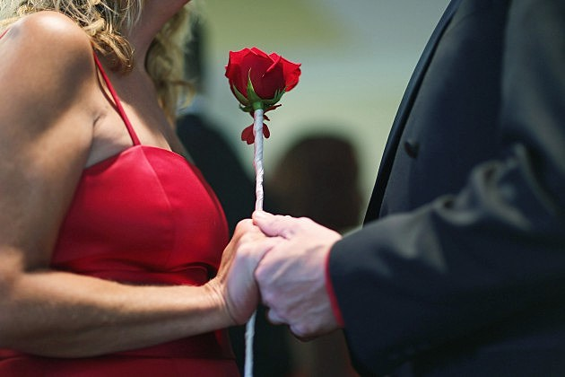 Couples Get Married On Valentine's Day