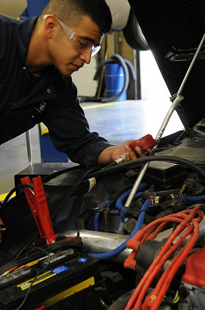 YVCC students automotive