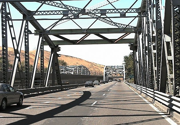 I-82 Yakima-Naches River Bridges
